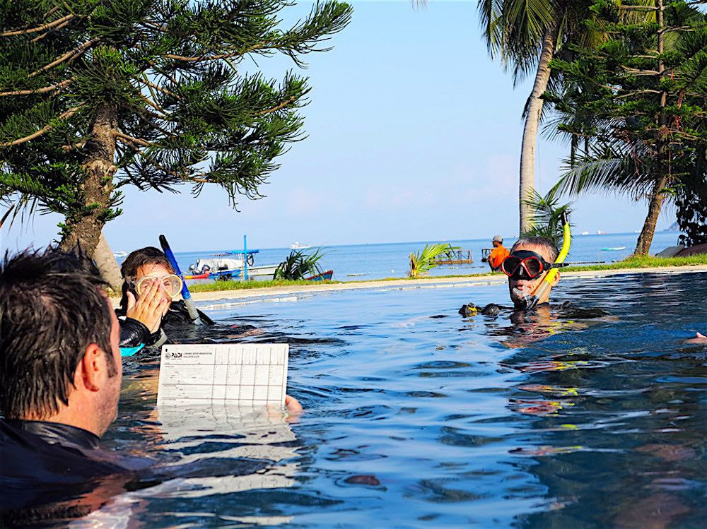 Dive Instructor training on Koh Tao