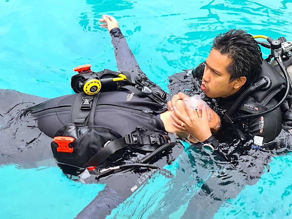 PADI Rescue Diver Course Skills Koh Tao